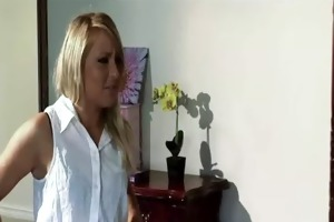 sister on sister lesbo act alison and valerie 2 81