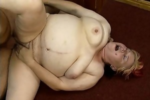 dirty chunky housewife having an agonorgasmos