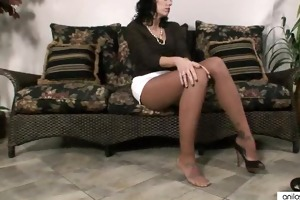 busty pantyhose fingering d like to fuck