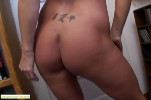 breasty cougar kaycee james cums hard