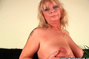 squirting granny sprays her juice all over the