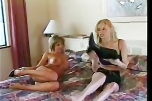 youthful jenna jameson and kylie ireland - lesbo