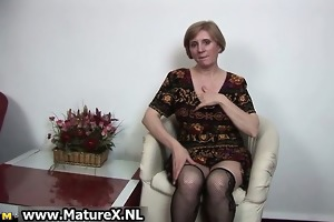 older slutty woman is touching her hawt part3