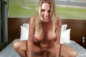 sublime blond d like to fuck slurps on massive