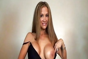 tanned sexy d like to fuck with big muffins sucks
