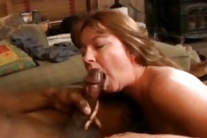 dark brown d like to fuck with sexy curves sucks