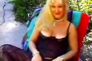 granny screwed in the family backyard