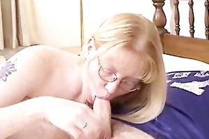 blond mother i wearing glasses blows and screwed