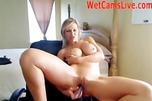 sexy milf dildos her bawdy cleft on her webcam!