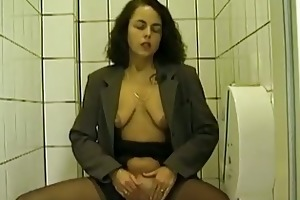 public throne room oral-stimulation and peeing