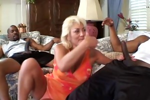 mama dana shares not her daughters backdoor with
