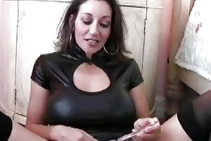 enormous chested d like to fuck in nylons