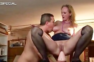 older d like to fuck receives all her holes