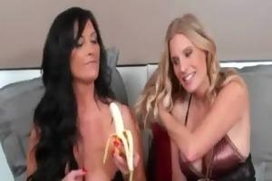 d like to fuck lesbo paramours nextdoor chick 29