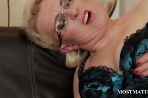 mature in nylons rubs pink love tunnel