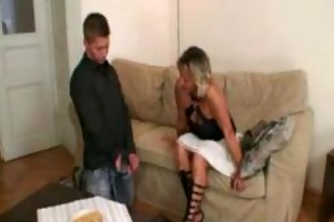 her mommy seduces her hubby for sex