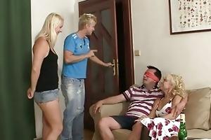 mamma seduces his gf into trio