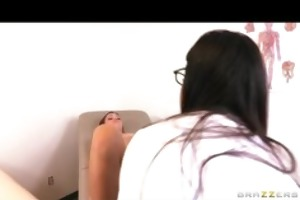 alyssa reeces doctor checkup turns into a lesbo