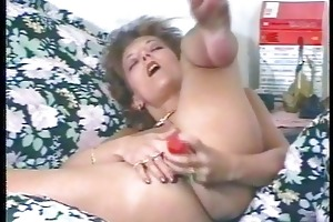 perverted mother i masturbates and uses large toy