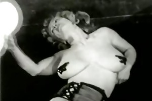 breasty mama likes to entertain