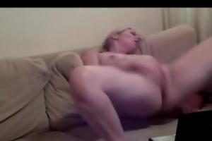 chat girl sexy aged large milk cans masturbating