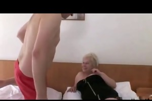 golden-haired granny with bid titts r20