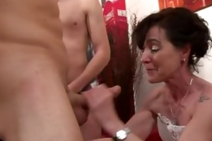 french euro babe receives 2 dongs inside her