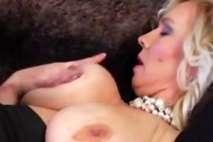 large tit golden-haired mom ... xoo5.com
