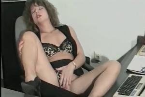 perverted secretary urinates on boss face part3