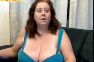 aged woman show melons cam