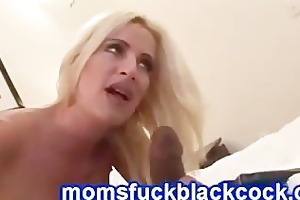 pounder queen lauren kain polishes a meaty shaft