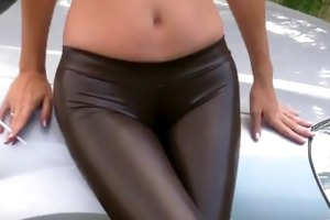 smokin in spandex leggings with cameltoe