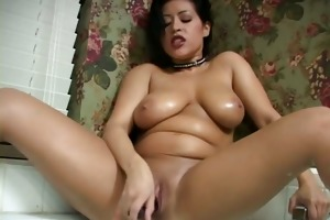 large breasted latin mommy gives tugjob