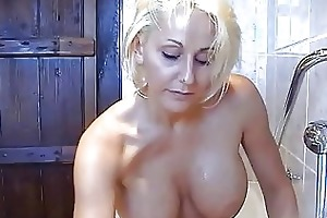 bootylicious breasty blonde momma plays with