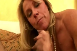 older milf sexy and juicy orall-service