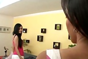 lesbo shenaans at home
