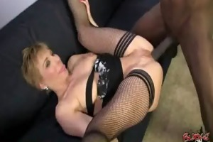 hot cougar d like to fuck loves to fuck darksome