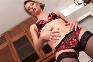 fleshly anilos daniela treats her mother i pussy