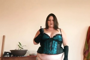sexy big beautiful woman cougar in hot underware