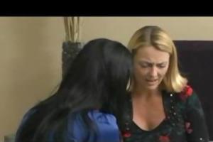 hawt lesbian mothers