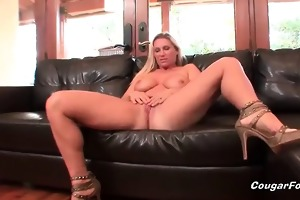 amazing blond cougar d like to fuck floozy with