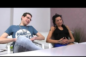 femaleagent. man becomes a rd wheel in casting