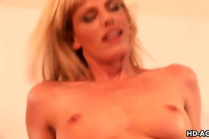mother i hottie darryl hanah rides that is pecker