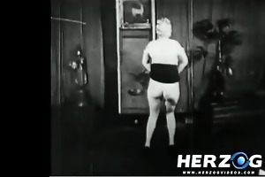 natural blonde makes a disrobe show in 20s porn