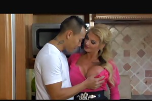 taylor wane- lascivious mommy