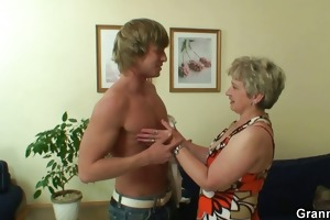 old housewife receives nailed by an youthful chap