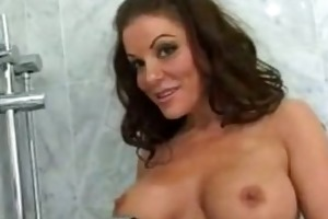 victoria valentinos tits should be on google maps