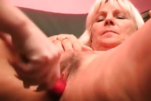 lesbo aged getting wet crack dildoed